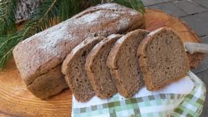 Dieses Brot wird mit Backferment gelockert, außerdem enthält es gekeimte Gerste.