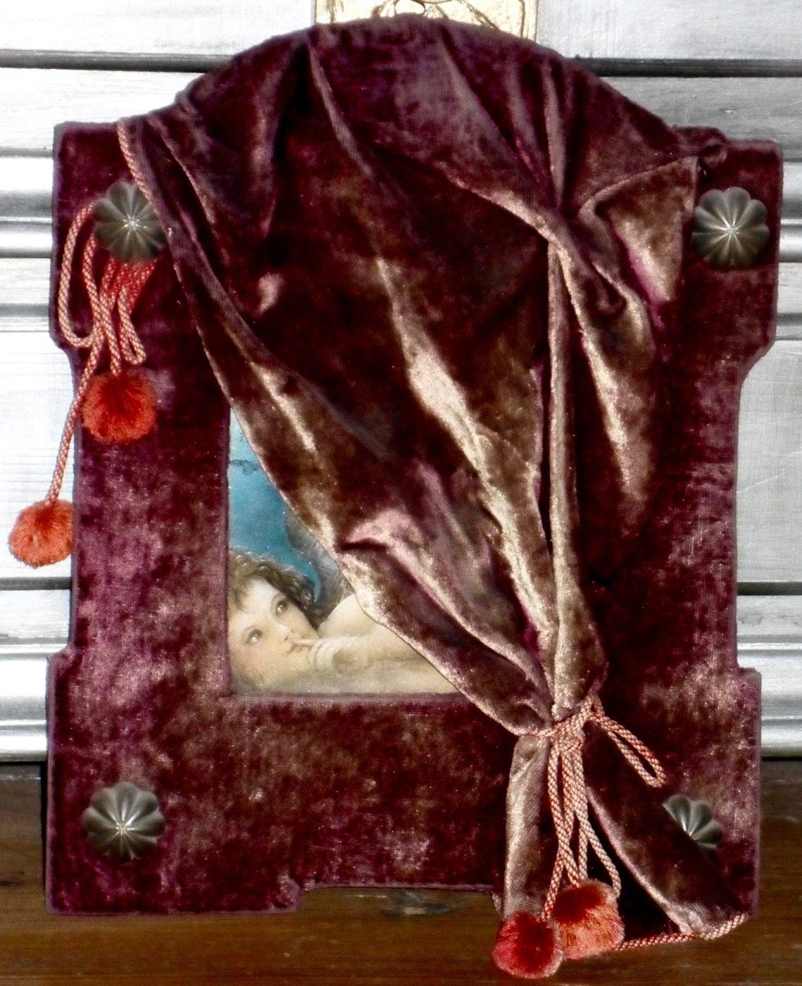 Das Geheimnis des Vorhangs – Gemäldegeheimnis um das Verbergen