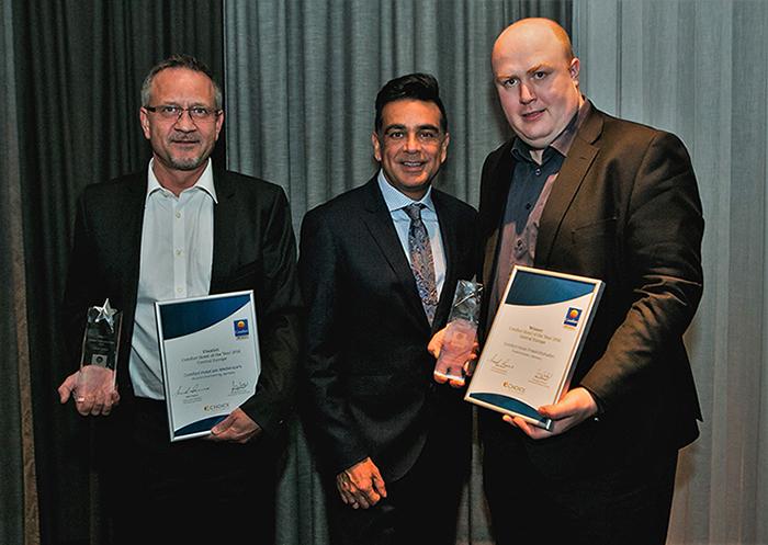 Von rechts Martin Kemmer, Mark Pearce und Uwe Völker (General Manager Comfort Hotel am Medienpark Unterföhring).