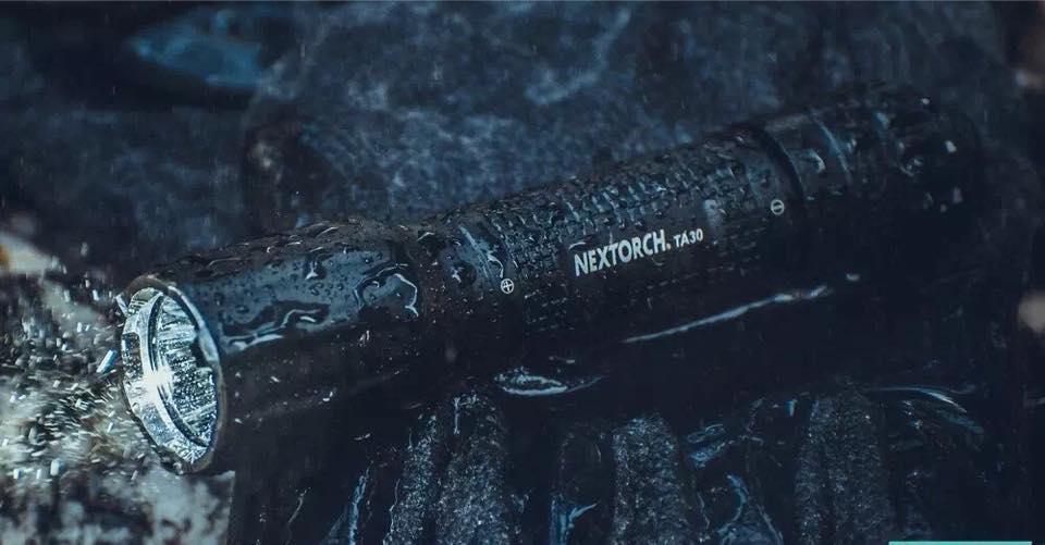 Wasserichte und stoßfeste LED-Taschenlampe Nextorch TA30