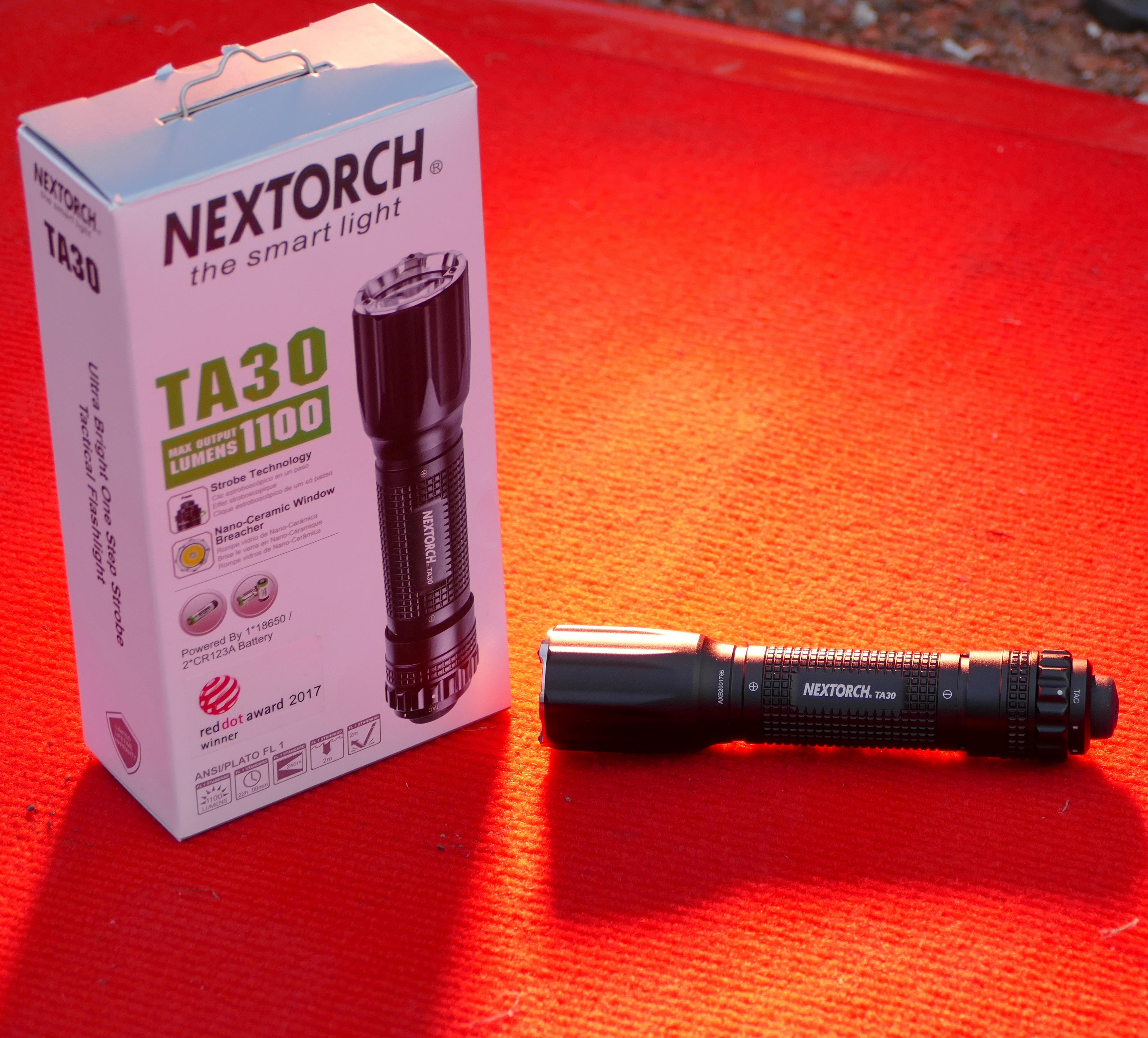 Red Dot Award und roter Teppich für eine Taschenlampe