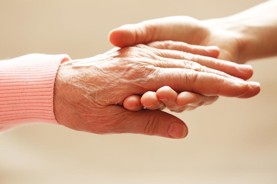 Senioren brauchen helfende Hände