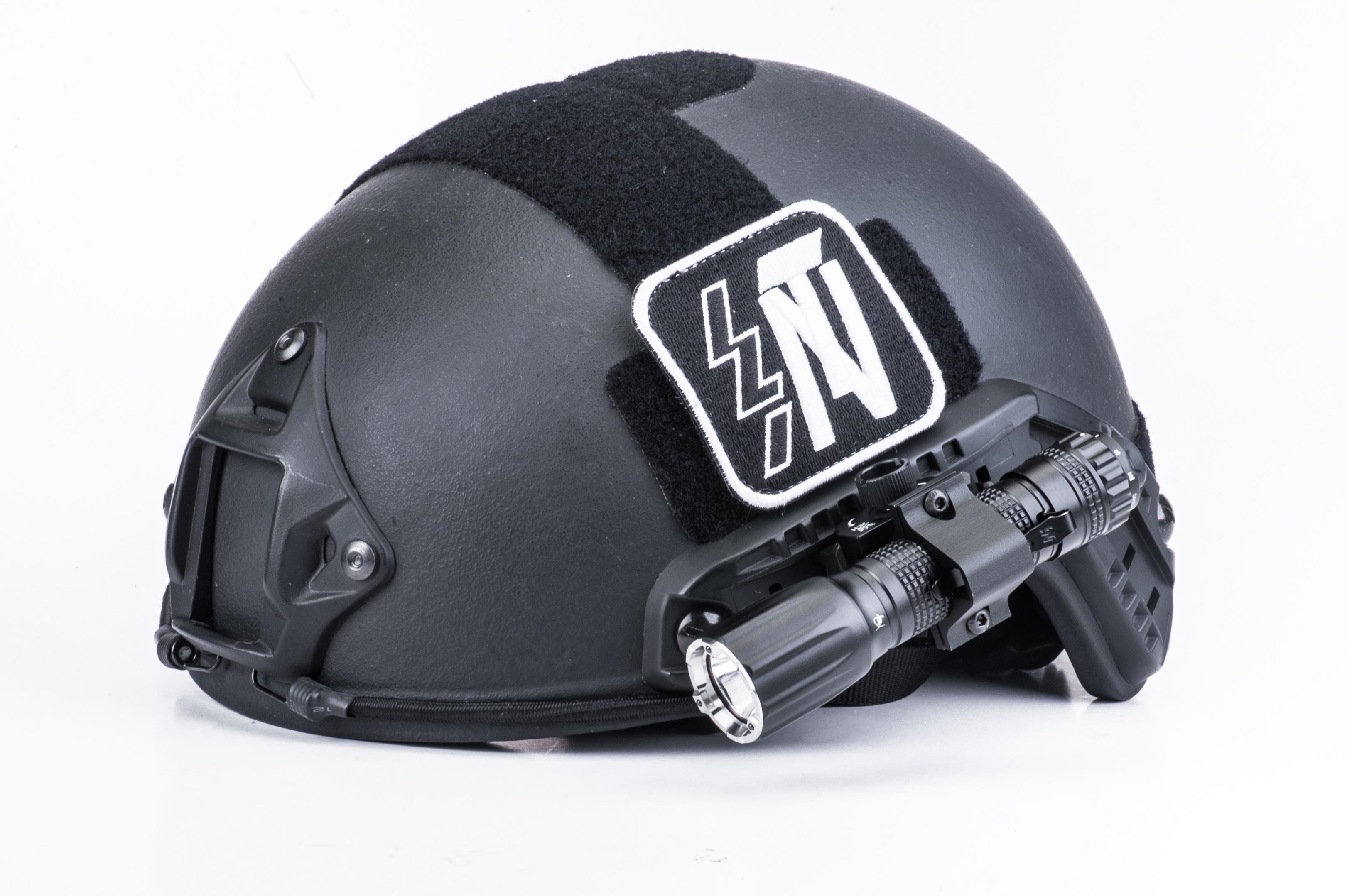 NEXTORCH Helmhalterung für Taschenlampen, schwenkbar