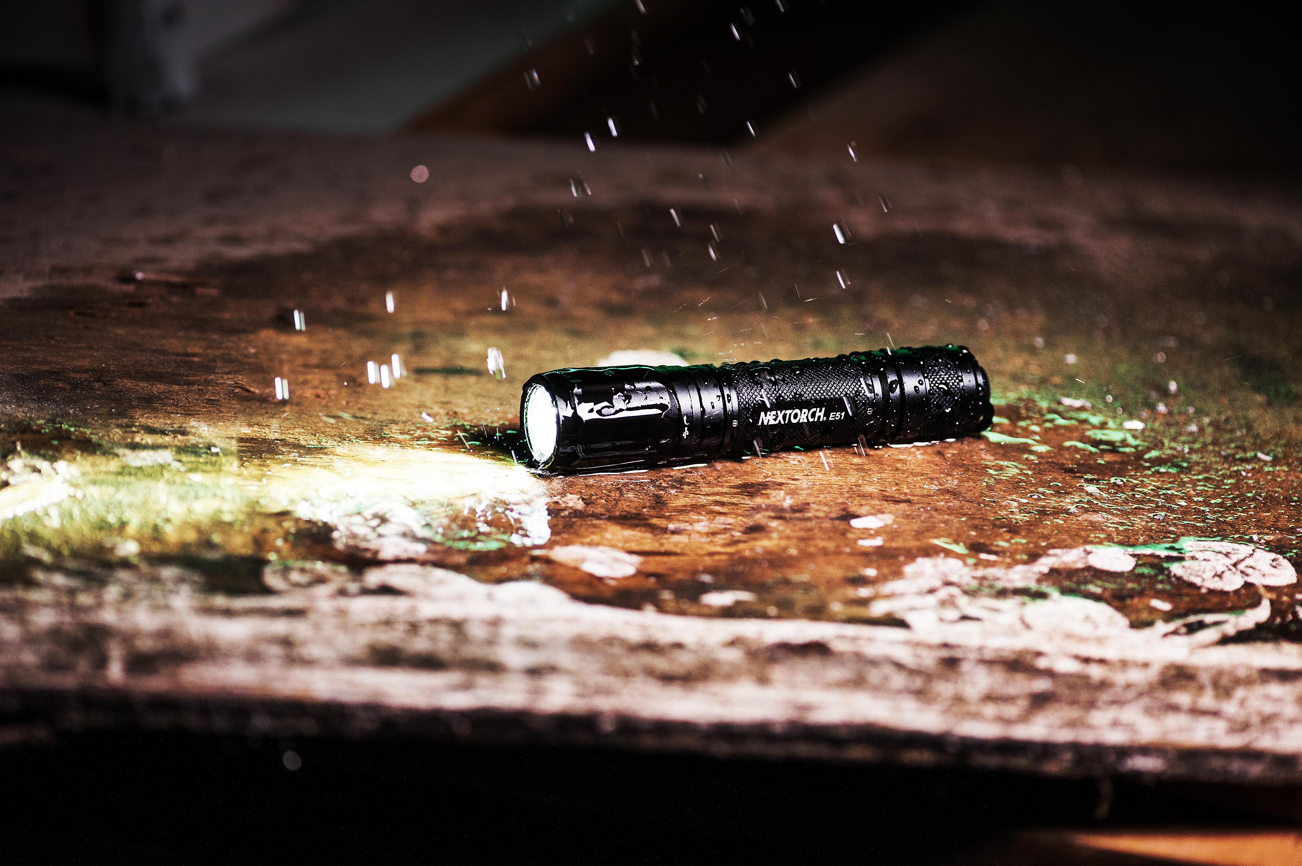wasserdicht bis 2 Meter Tiefe - Tauchlampe von Nextorch