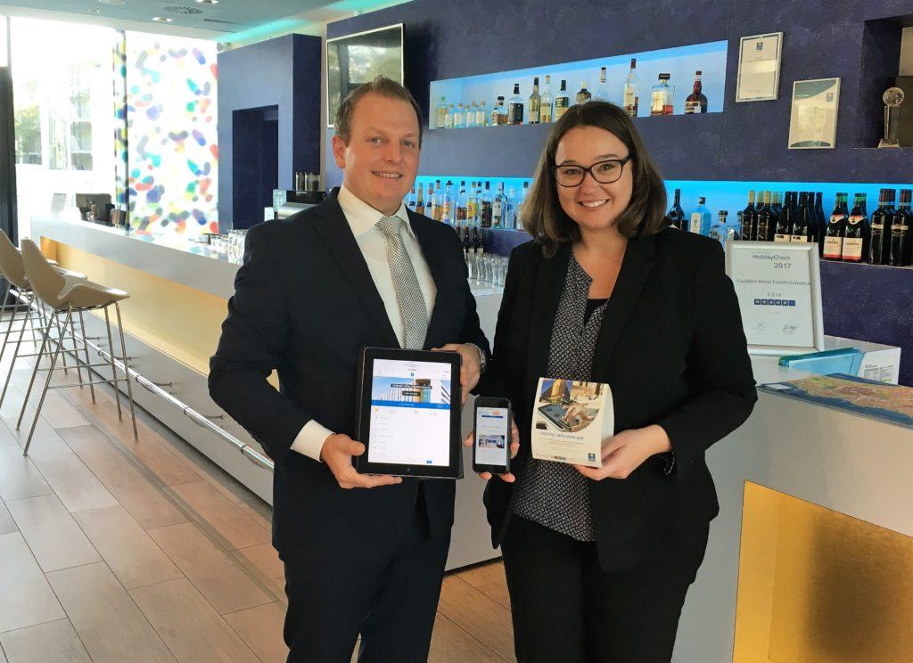 Claudia Kohler und Matthias Schenk freuen sich über den neuen Service für ihre Gäste.