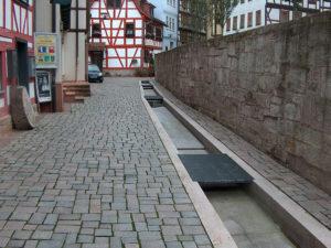 Neues Kopfsteinpflaster nach historischem Vorbild in Schmalkalden