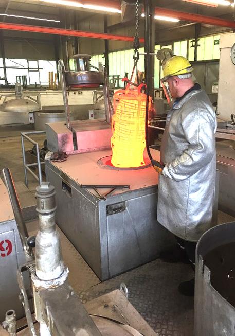 SCHWING Wirbelbett-Wärmebehandlungssystem bei Wiechmann Ketten- und Kettenräderbau, Foto: SCHWING Technologies