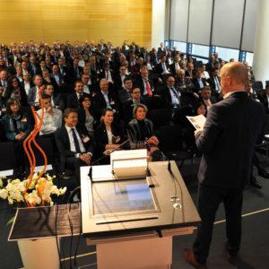 SMIC-Unternehmer-Kongress-2018-Nuernberg_Gespraechskreis_800x800-300x300 Wie Sie mit Ihrem Unternehmen dank  Digitalisierung Zeit und Kosten sparen