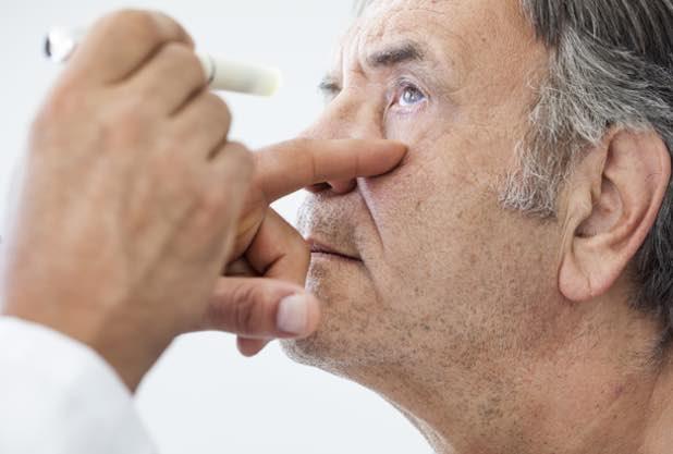 Augenarzt für Mainz: Katarakt OP kann Demenzrisiko beeinflussen