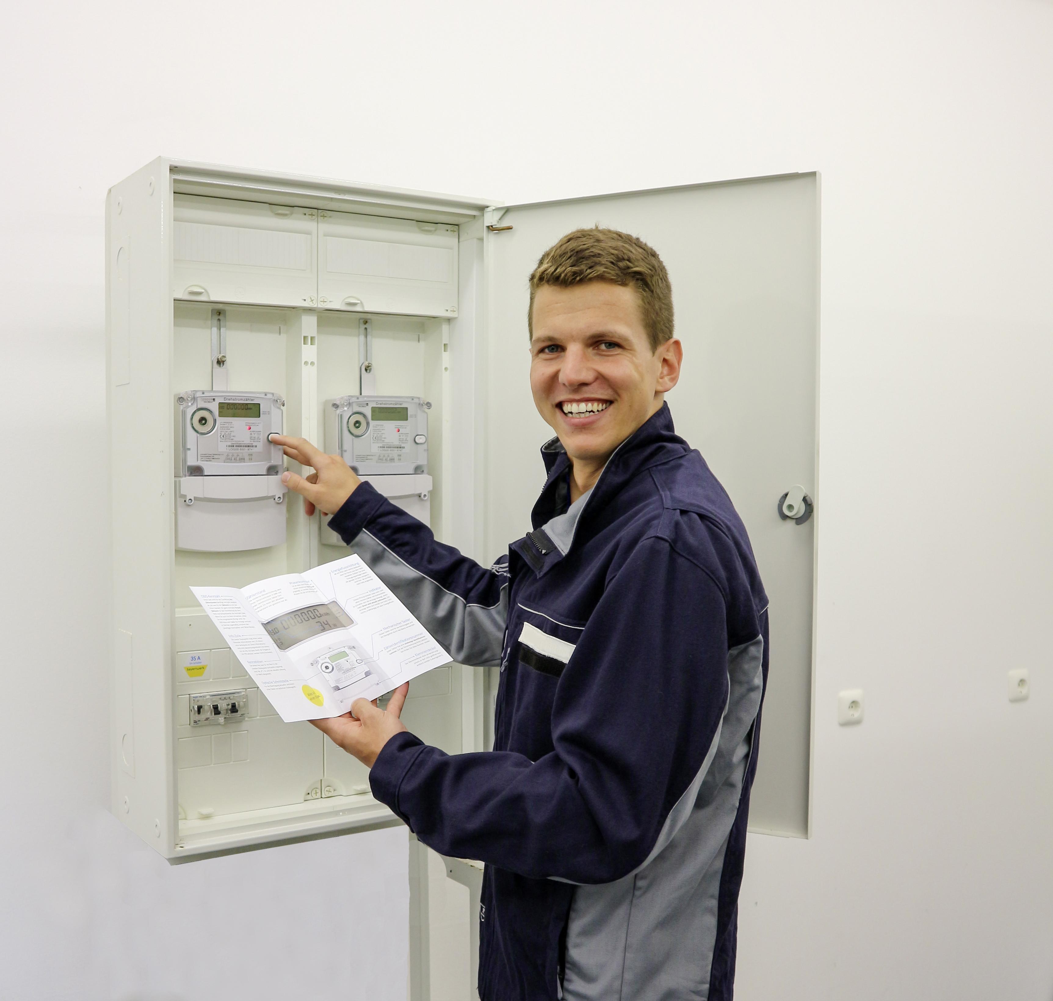 Neue Stromzähler auf dem Vormarsch: Bayernwerk hat 50.000ste moderne Messeinrichtungen bei Kunden installiert