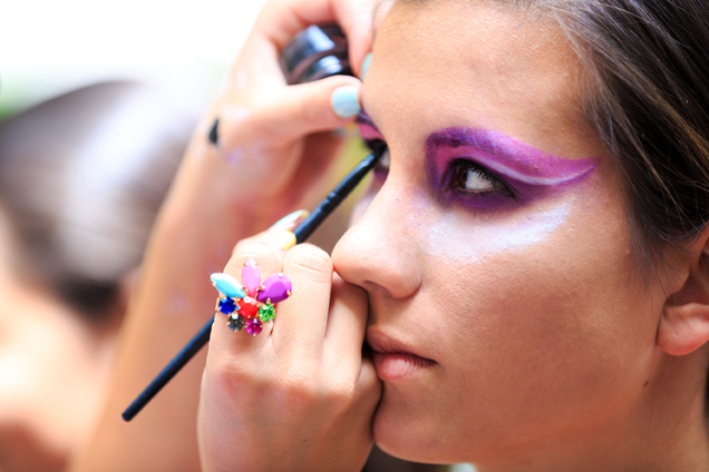 Gereizte Augen durch Karnevalsschminke? – Tipp der Woche der DKV