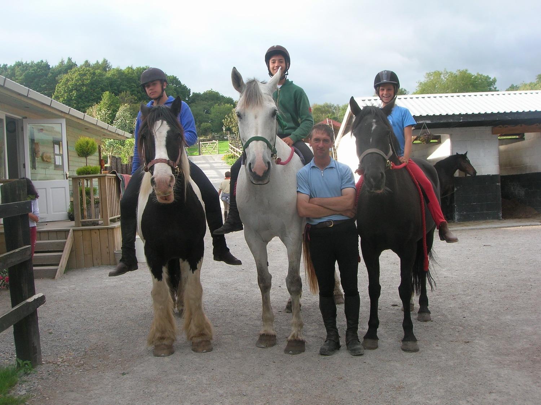 Vokabeln lernen in Galopp: Sprachferien für kleine und große Pferdefreunde