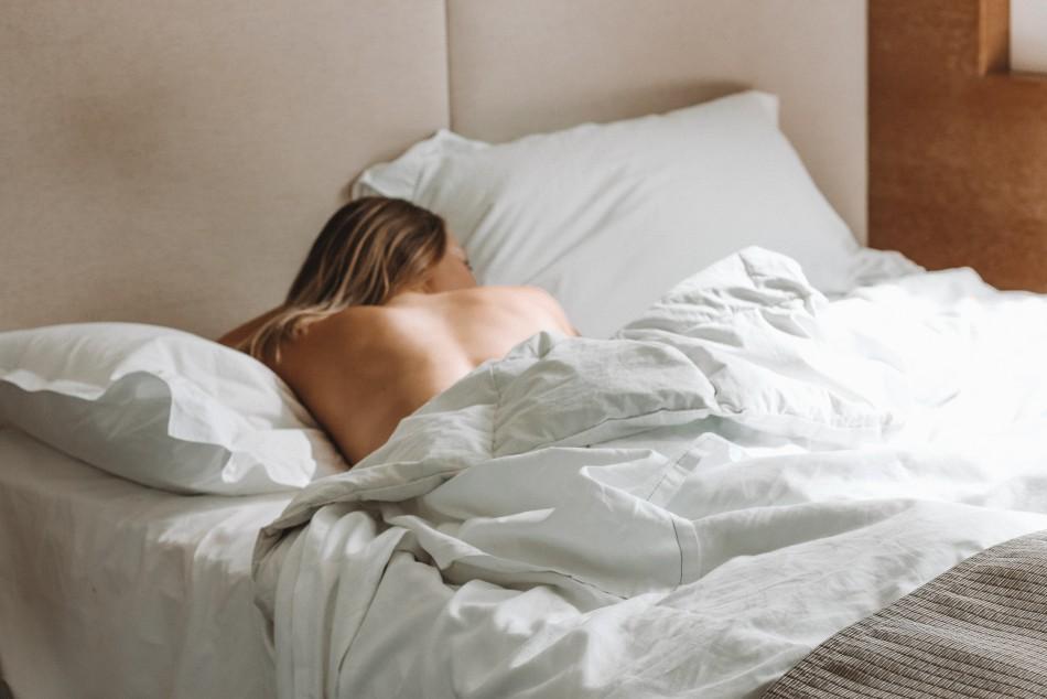 Schlafen Männer gesünder als Frauen? Eine Moebel24-Umfrage und Studie