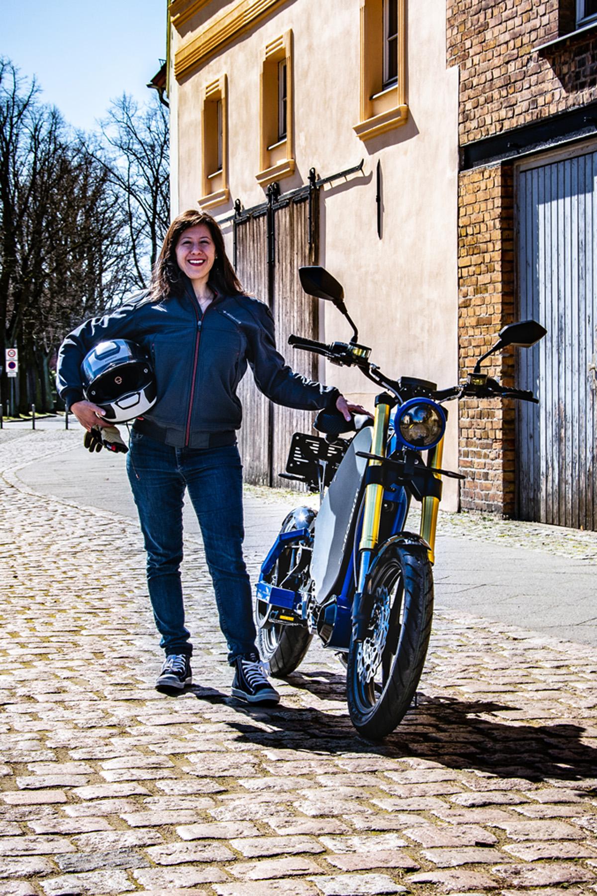eROCKIT: Das Motorrad der Zukunft startet Online-Vorverkauf