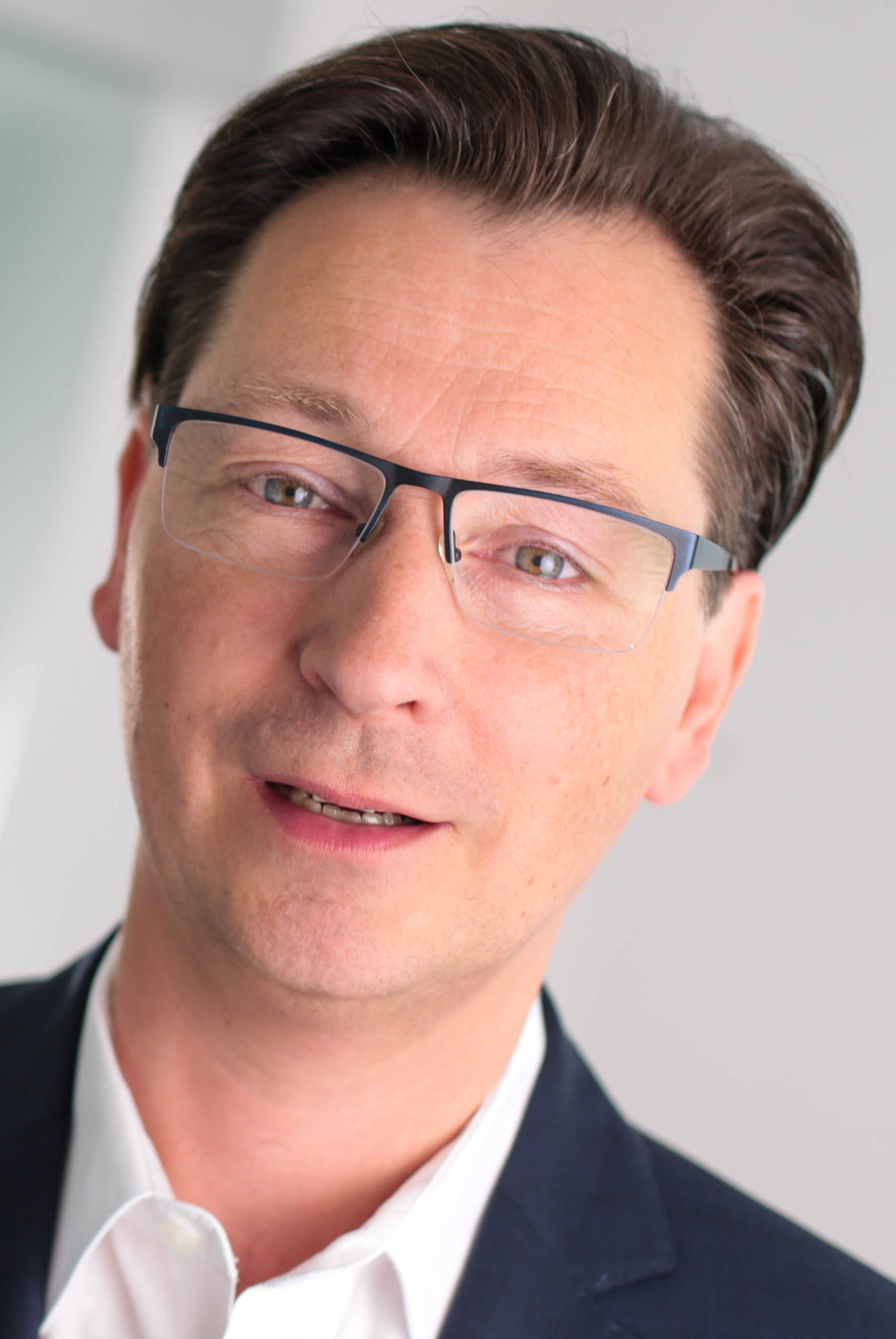 Buchneuerscheinung von Sven-David Müller: Migräne natürlich behandeln
