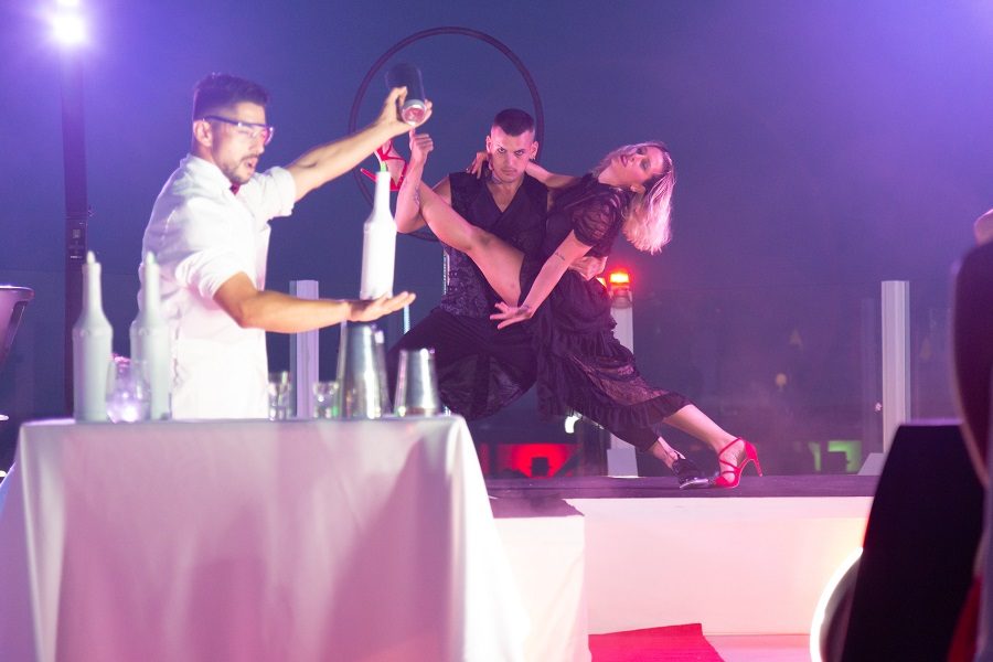 "Hard Rock Hotel Ibiza präsentiert ""Mirrors in Heaven"" und ""Rock in the sky"""