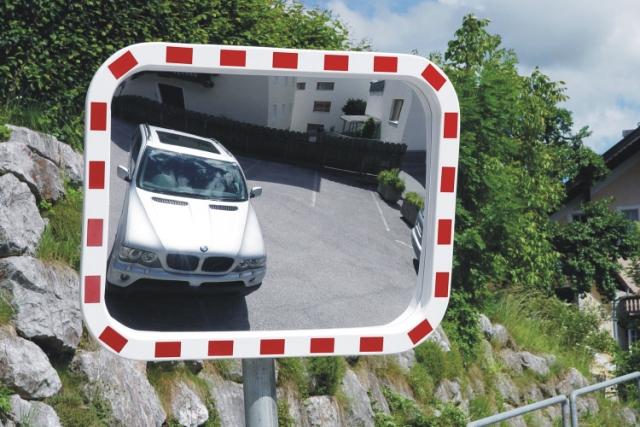 Mit patentierten Verkehrsspiegeln aus Tirol auf Europas Märkte – Spiegel Lux