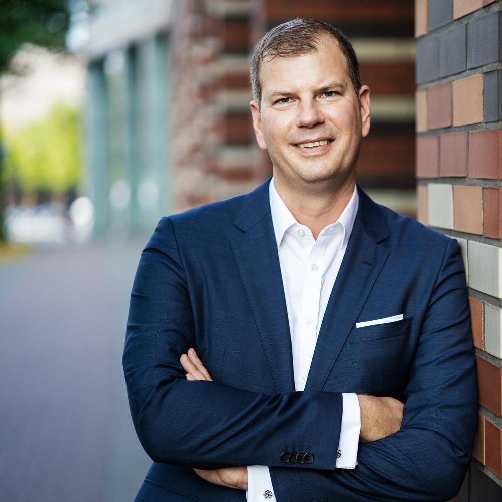Manager in die Schule: Neue Perspektiven für Führungskräfte!