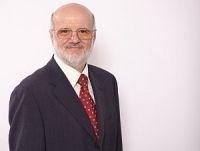 a-Prof-Szazs-Schrägprofil-200x151-2 Universitäre Studie über Hyperthermie bei Brustkrebs aus Malta